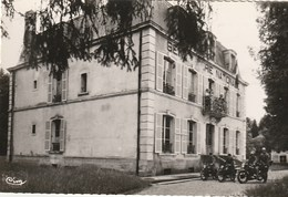 CPSM 88 (Vosges) LAMARCHE / LA GENDARMERIE / ANIMEE - Lamarche