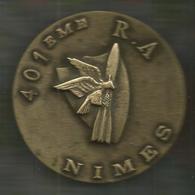 Médaille De Table ,401 E Régiment D'Artillerie ,NÎMES , 2 Scans , Frais Fr 4.95 E - Médailles & Décorations