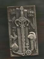 Médaille ,Drago , De Gestis Francorum , 71 X 39 Mm , 2 Scans , Frais Fr 2.55 E - Médailles & Décorations