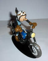 "Figurine Joe Bar Team N°40 ""Zaza Et Sa Triumph 650 Tiger Tr6 C"" - Figurines"