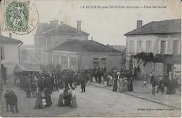 """LARUSCADE Prés De CAVIGNAC : Place Des Ecoles - La"""" Grande  Foule"""" ( 1907 ) - Francia"""