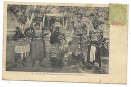 Un Grand Chef Dahoméen Et Ses Féticheurs... 1908 - Dahomey
