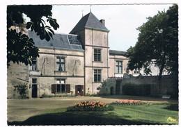 COULONGES Sur L ' AUTIZE  79  Parc De L'hotel De Ville - Coulonges-sur-l'Autize