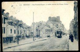 Cpa Du 35 Rennes Rue Poullain Duparc  Et Vieilles Maisons Du Champ Dolent   DEC19-12 - Rennes