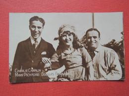 Chromo  Photo  7,4 X 4,7 Cm  Tabac.The TOCCOS. Egyptian Cigarettes.Alexandrie.Le Caire. CHAPLIN. Mary PICKFORD.FAIRBANKS - Cigarettes
