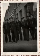 Photo Allemande Originale Guerre 1939-45 Groupe De Marins De La Kriegsmarine En Escale En Hollande En 1942 - Pays-Bas - Krieg, Militär