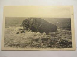 Cpa BELLE ILE EN MER (56)  La Roche D'Oulme, à Gauche De L'Apothicairerie - Belle Ile En Mer