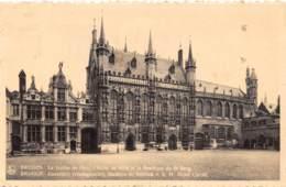 BRUGGE - Kanselarij (Vredegerecht) - Stadhuis En Basiliek V. H. H. Bloed Christi - Brugge