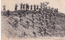 Les Grandes Manœuvres De Courtenay 1911, Compagnie D'Infanterie Montant Le Talus De La Route De Triguères - Manoeuvres