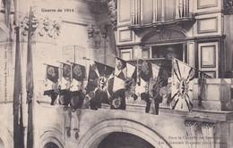 Dans La Chapelle Des Invalides, Les Premiers Drapeaux Pris à L'Ennemi - War 1914-18