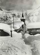 """/ CPSM FRANCE 74 """"Montroc Le Tour, Un Coin Du Village Et Le Glacier En Hiver"""" - Autres Communes"""