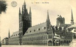 CPA - Belgique - Ieper - Ypres - Les Halles - Ieper