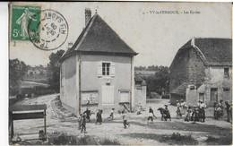 VY LE  FERROUX : Les Ecoles - Animation (1909 ) - Frankreich