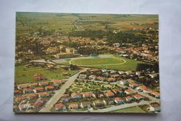 MONTECH-cite Carreyrou Et Le Stade Municipal-aspect Toilee - Montech