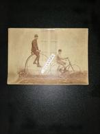 Photographie Ancienne Originale Bicycle Et Tricycle Vers 1900 - Radsport