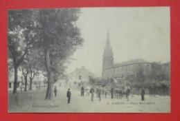 64 Garlin CPA Place Marcadieu TB Animée 1274 Habitants En 1900 Dos Scanné éditeur Jourdan N°5 - Autres Communes