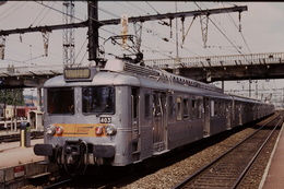 Photo Diapo Diapositive Slide Train Wagon Dame Banlieue INOX SNCF Z 5403 à Juvisy Le 12/07/1996 VOIR ZOOM - Diapositivas