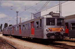 Photo Diapo Diapositive Slide Train Wagon Rame Banlieue INOX SNCF Z 5370 à VSG Le 24/07/1996 VOIR ZOOM - Dias
