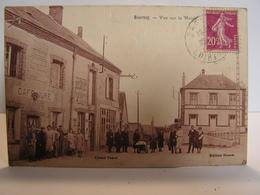 CPA 41 LOIR ET CHER BOURSAY VUE SUR LA MAIRIE CAFE TRES ANIMEE 317 - France