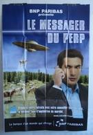 Affiche Publicitaire Abribus - Banque - BNP Paribas - Le Messager Du PERP - Vaches Et Soucoupe Volante - Pubblicitari