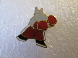 PIN'S   HIPPOPOTAME  BOXEUR  Email Grand Feu - Animales