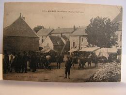 CPA 58 NIEVRE CHATEAU CHINON ARLEUF LA PLACE UN JOUR DE FOIRE 369 - Chateau Chinon