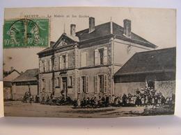CPA 58 NIEVRE CHATEAU CHINON ARLEUF LA MAIRIE ET LES ECOLES ANIMEES 374 - Chateau Chinon