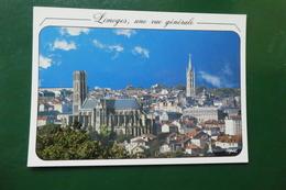 N 3 ) LIMOGES UNE VUE GENERALE   AU PREMIER PLAN LA CATHEDRALE ST ETIENNE PUIS LE CLOCHER ST MICHEL , CENTRE VILLE - Limoges