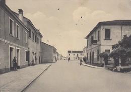 Emilia Romagna - Ferrara - Mezzogoro  - Via Bengasi  - F. Grande - Anni 50 - Moto Bella - Italia