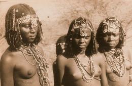 Cunama, Femmes Seins Nus, Nu Etique,  Photo Of Old  Postcard; 2 Scans - Erythrée