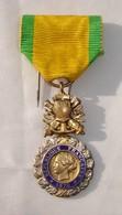 Médaille République Française - 1870 -  Valeur Et Discipline - Bon état. - France