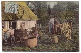 EN NORMANDIE - Le Cidre , La Mise En Tonneau - France
