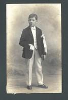 COMMUNIANT Avec Son écharpe De Communion Son Missel Et Ses Gants Blancs PHOTO Ancienne - Personnes Anonymes