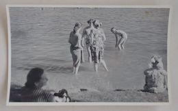 3 Women In The Lake Femmes Dans Le Lac Drei Frauen Im See Poland Pologne Polen 50's - Personas Anónimos