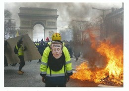 CPM Paris La Révolte Des Gilets Jaunes , Un Mouvement Social Débuté En France En Novembre 2018 - Sciopero