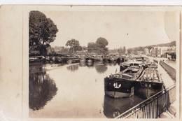 Carte Photo : Batellerie Port De Péniches (lieu à Déterminer)  Au 1er Plan Péniches Vautis Et Nage - Boten