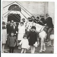 Les Saintes Maries De La Mer ,13 ,mariage à La Sortie De L'eglise ,gardians,camargue,photo 13x13 (recoupée Coté Gauche) - Photos
