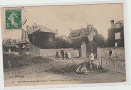 (pdd) CAVADOS , ARROMANCHES , Route De Bayeux - Arromanches