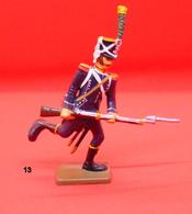 Soldat De Plomb Parfait Etat 8cm - Militari