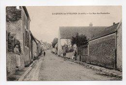 - CPA LA QUEUE-LES-YVELINES (78) - La Rue Des Pombelles 1918 (avec Personnages) - - France
