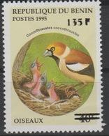 Bénin 2000 Mi. 1235 Coccothraustes Birds Oiseaux Vögel Faune Fauna Surchargé Overprint MNH** - Bénin – Dahomey (1960-...)