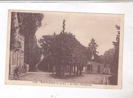 CPA DPT 78 MONTGERON, LA PLACE CHALANDRAY En 1940! - France