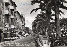 FINALE LIGURE - VIALE DELLE PALME CON AUTO D'EPOCA - MAGGIOLINO VOLKSWAGEN - VIAGGIATA 1956 - (rif. S93) - Savona