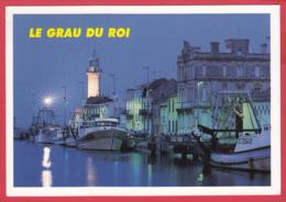 CPM-30- LE GRAU DU ROI - Le PORT , Les Bateaux, Le PHARE , à La Nuit Tombante -*SUP*2 SCAN - Le Grau-du-Roi