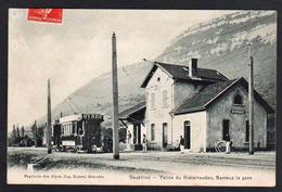 BARRAUX: Gros Plan Sur Le Tram électrique Devant La Gare. Carte Obl. Barraux En 1908 - Barraux