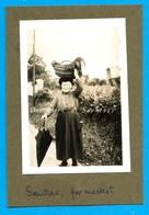 Lot 46 * Souillac, Paysanne (coq Dans Panier), Au Marché * Photo Originale 1934 - Luoghi