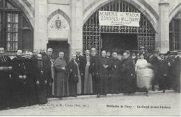 CLUNY  Le Clergé Devant L' Abbaye   Millénaire CPA Non écrite Bon état - Cluny