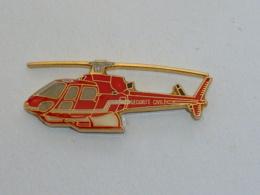 Pin's HELICOPTERE DE LA SECURITE CIVILE B - Brandweerman