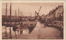 Finistère  : CAMARET : Le  Quai   Gustave - Toudouze  1952 - Camaret-sur-Mer