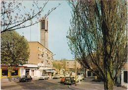Nord : MAUBEUGE : La Rue Franklin Roosevelt Et L'église - Automobile - 4L - Renault Ariane - C.p.s.m. M. - Grand Format - Maubeuge